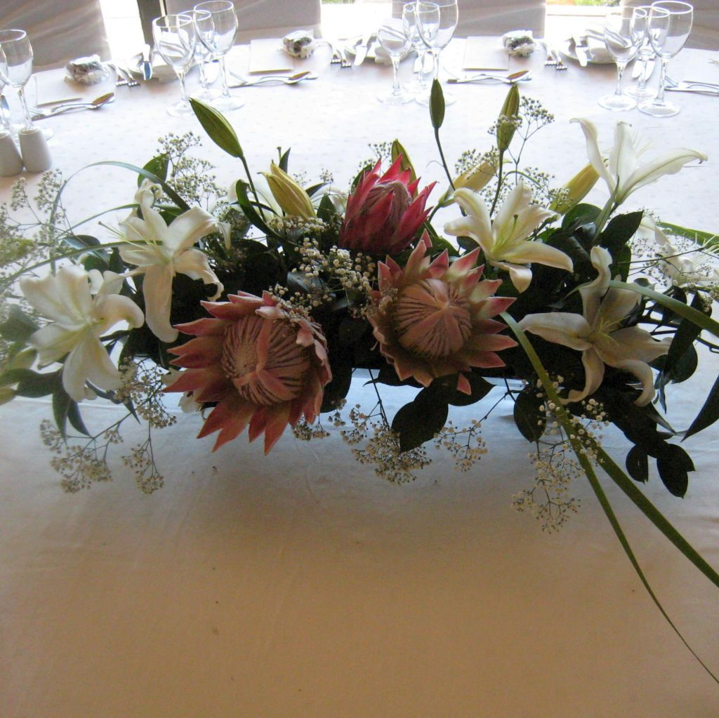 Marias wedding flowers for weddings and functions cape wedding main table decor jennybflowersbridalbouquet jennybflowersweddingtabledecoration junglespirit Images